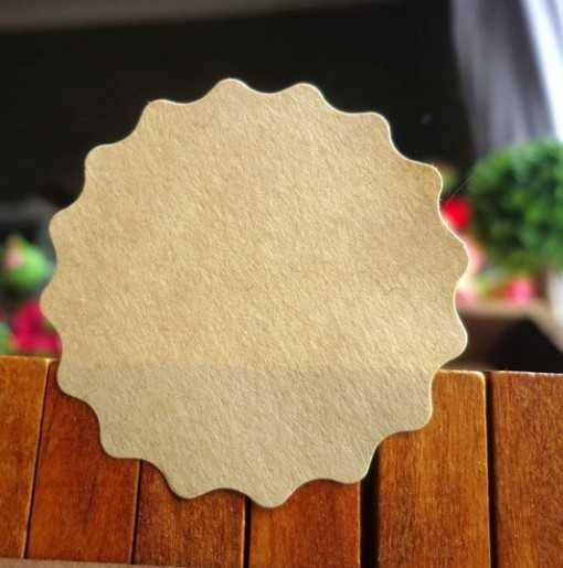 Sticker rond cranté