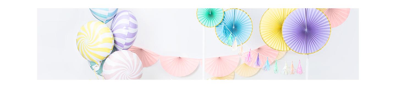 Lampions rond en papier de très jolies couleurs et différentes formes.