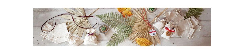 Pochons et petites pochettes en coton, en lin, en organza et autres tissus.